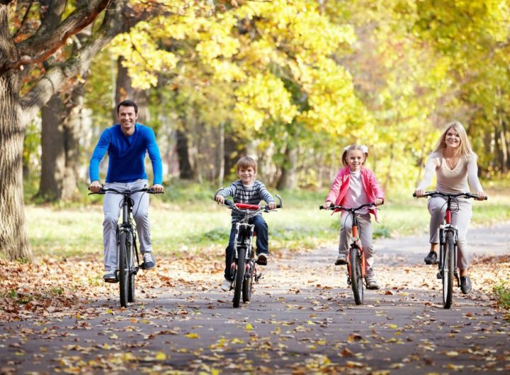 family-on-bikes-2021-09-03-02-57-27-utc